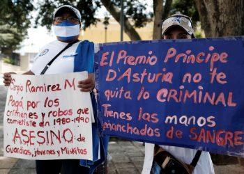 Protesta en Costa Rica contra ciudadanía honoraria de Sergio Ramírez