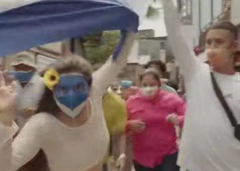 «¡Quedémonos en la casa, no hay por quién votar!», la canción de rechazo a las elecciones de Daniel Ortega