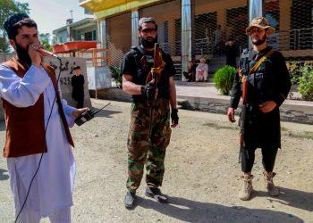 Un atentado deja 80 muertos en Afganistán en plenas operaciones contra el EI