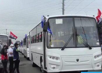 Dictadura usa entrega de buses rusos para hacer campaña política. Foto: Artículo 66 / Gobierno