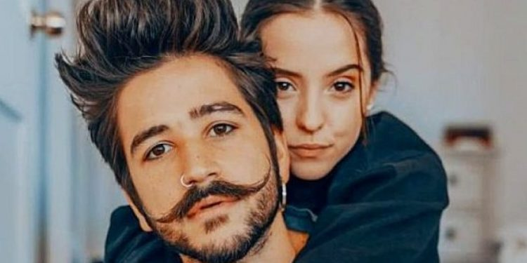 Camilo y Evaluna Montaner anuncian que serán padres en un videoclip