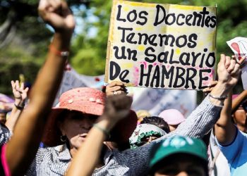 Maestros renuncian en venezuela por salarios miserables, según oposición