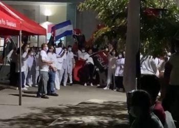 Jornada de vacunación en Mateare haciendo proselitismo político. Foto: Artículo 66